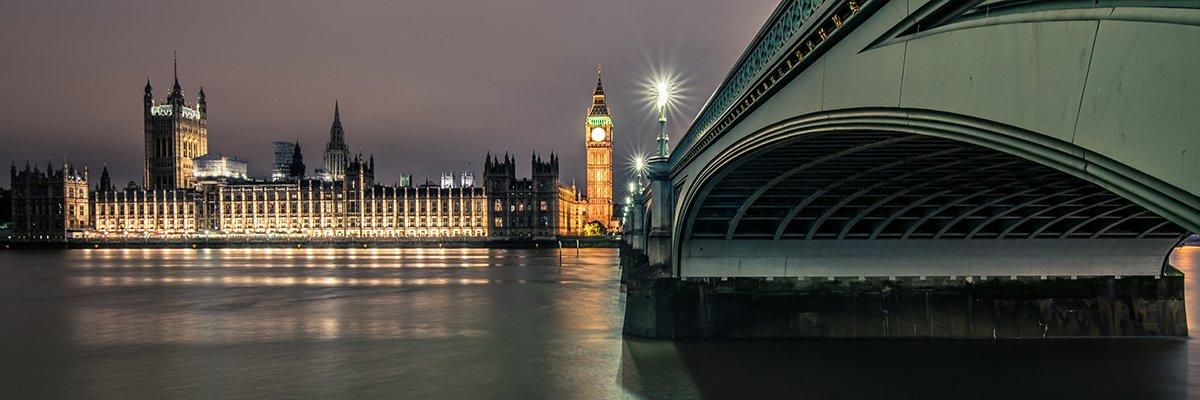 London-Westminster-Parliament-bridge-fotolia.jpg