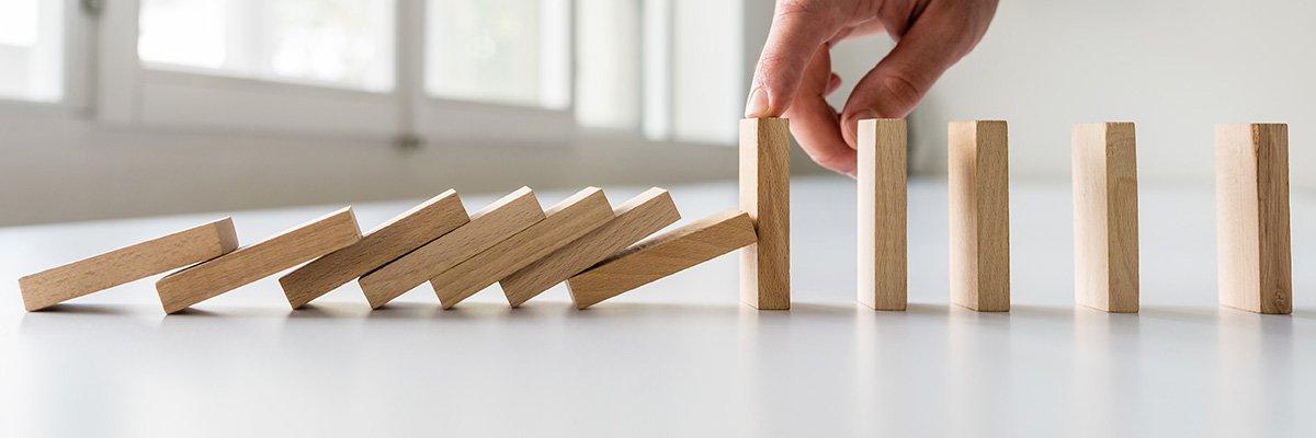 dominoes-business-crisis-risk-management.jpg