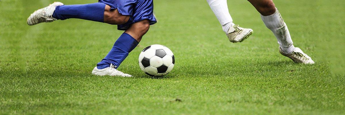 football-players-fotolia.jpg