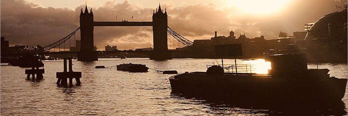 London-city-tower-bridge-2-clrcrmck.jpg