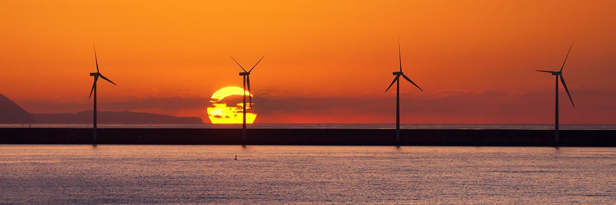Wind-tubrine-sea.jpg