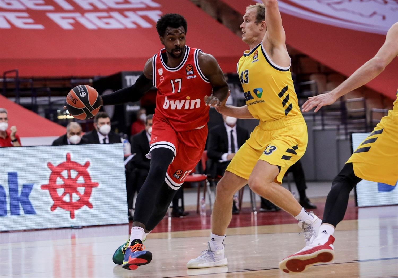 livio-jean-charles-olympiacos-piraeus-eb20.jpg