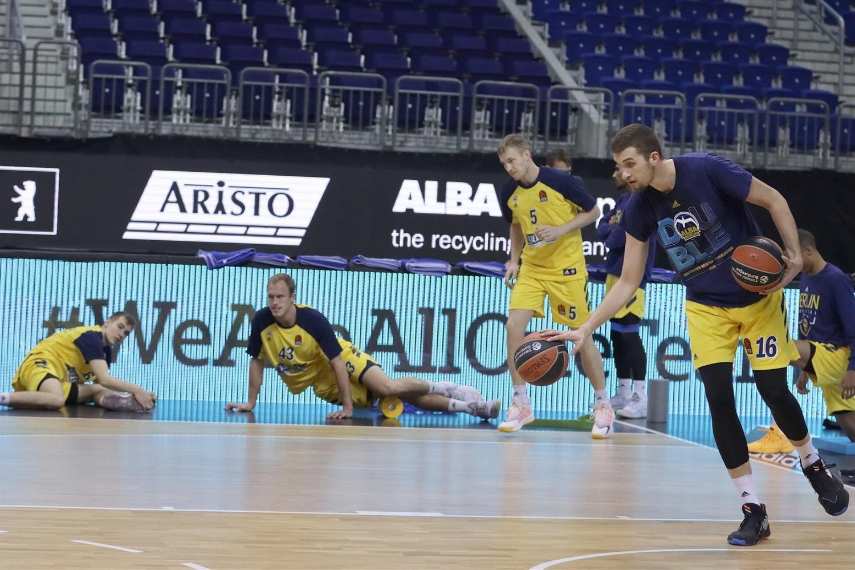 we-are-all-one-team-alba-berlin-eb20.jpg