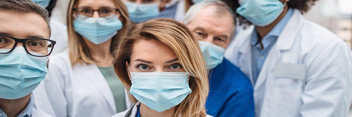 Covid-19-coronavirus-doctors-masks-Halfpoint-adobe.jpg