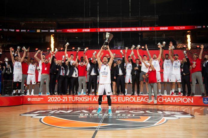 Anadolu Efes FC Barcelone 2021 Match de championnat d'EuroLeague
