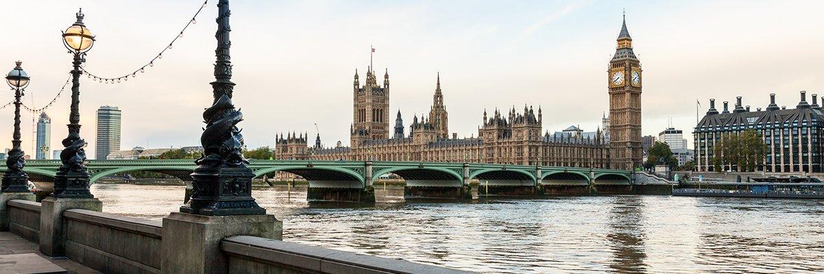 Westminster-Thames-fotolia.jpg
