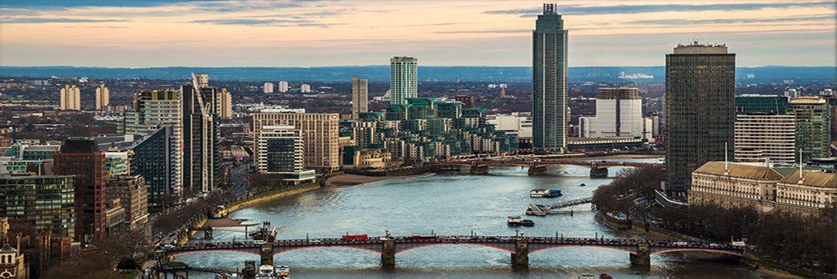 London-Thames-Vauxhall-Southwark-bridges-MI6-London-zgphotography-adobe.jpg