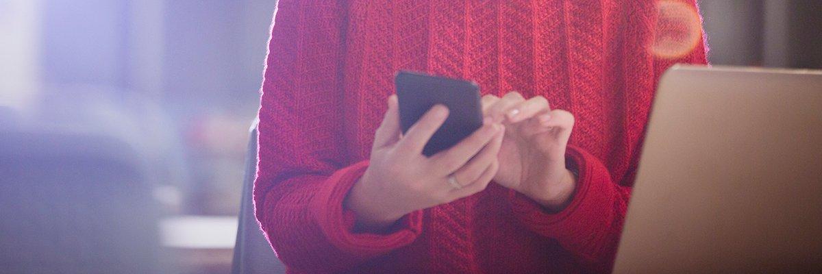 iphone-mobile-apple-adobe.jpg