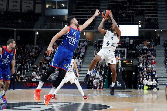 Chris Jones ASVEL Villeurbanne Anadolu Efes EuroLeague Round 3